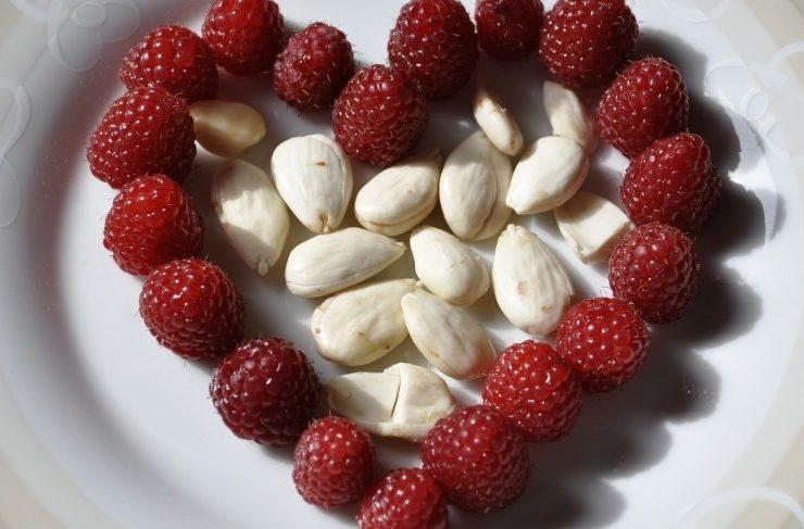 Φάτε αμύγδαλα για επίπεδη κοιλιά!