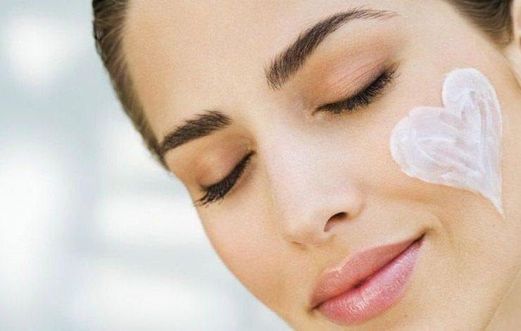 Τι κάνουμε αν το δέρμα μας αντιδρά άσχημα σε ένα προϊόν ομορφιάς