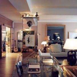 Το «Le Royal Moncea Raffles» είναι σχεδιασμένο από τον πιο γνωστό βιομηχανικό σχεδιαστή του 21ου αιώνα, Philippe Starck