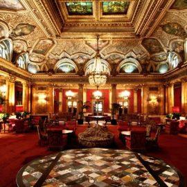 Το Cavalieri Hotel διαθέτει μια από τις πιο γνωστές παγκοσμίως ιδιωτικές καλλιτεχνικές συλλογές στον κόσμο? και παρέχει ξεναγό για τις απορίες σας!