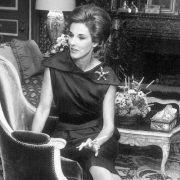 Babe Paley: Η γυναίκα που μπήκε στο Πάνθεον του στιλ