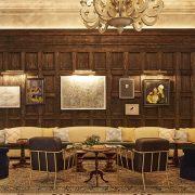 Την εσωτερική διακόσμηση έχει επιμεληθεί ο Βρετανός αρχιτέκτονας Martin Brudnizki