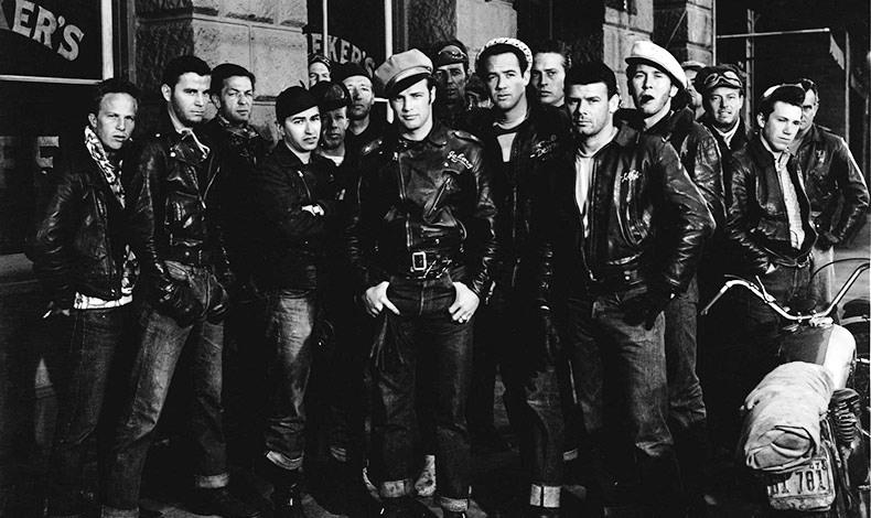 Τη μοίρα του biker τζάκετ έμελλε να σφραγίσει ένας σταρ της μεγάλης οθόνης, ο Μάρλον Μπράντο στην ταινία του 1953 «Ο Ατίθασος»