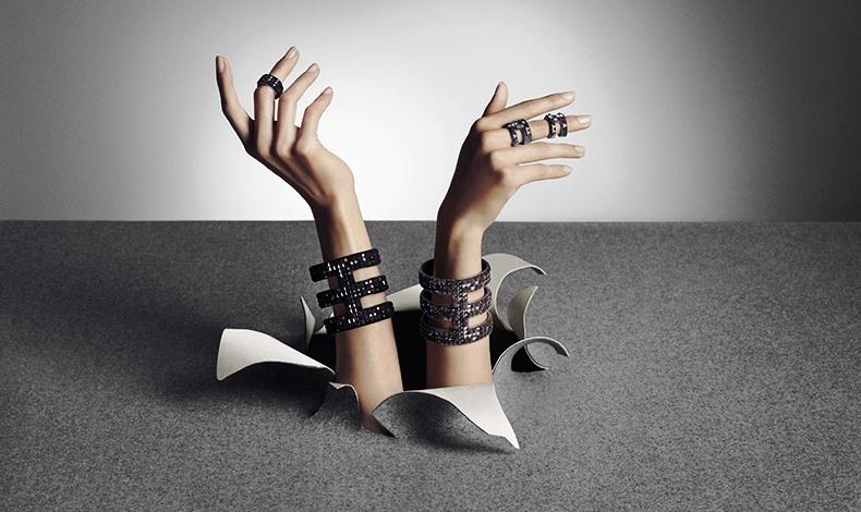Η άποψη του ανατρεπτικού δίδυμου της μόδας Viktor & Rolf για την Velvet Rock Collection