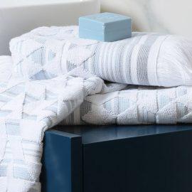 Λευκές πετσέτες με «υποψία» γαλάζιου στην ύφανση, Demy Set Blue Collection, NEF-NEF Homeware
