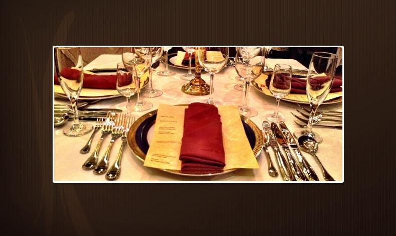 Στο τραπέζι 40 έκανε πρόταση γάμου ο Τζον Κένεντι στη Ζακλίν Μπουβιέ (μετέπειτα Τζάκι Κένεντι)!