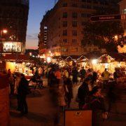 Ατμόσφαιρα γιορτής στις χριστουγεννιάτικες αγορές της Βοιυδαπέστης που μένουν ανοιχτές μέχρι το τέλος Δεκεμβρίου