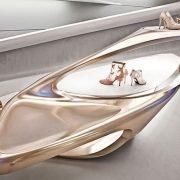 Η Zaha Hadid έχει σχεδιάσει το κατάστημα Stuart Weitzman στο Μιλάνο