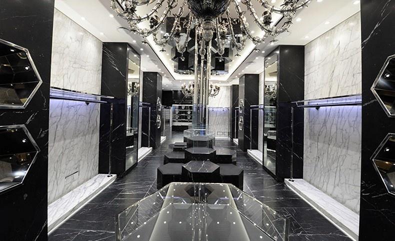 Η αστραφτερή γοητεία του flagship store Philipp Plein στη Via Montenapoleone