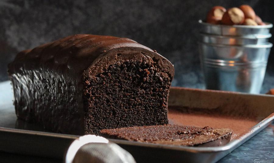 Κέικ σοκολάτας με γλάσο από τη διάσημη ζαχαροπλάστισσα Claire Damon