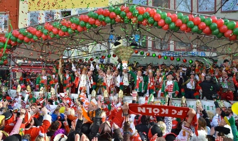 Η Κολωνία μετατρέπεται σε ένα ατελείωτο πάρτι για την εβδομάδα του καρναβαλιού της