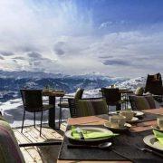 Η μαγεία της φυσικής ομορφιάς στην ταράτσα του ξενοδοχείου Chetzeron