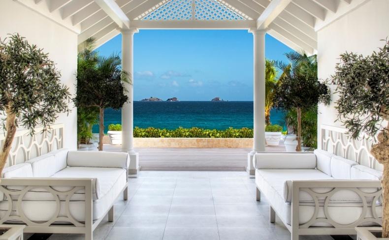 Η είσοδος του ξενοδοχείου ή η είσοδος στον παράδεισο;