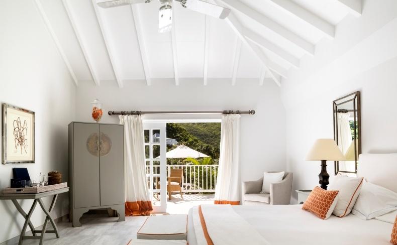 Η κρεβατοκάμαρα της Tropical Suite, χάρη, αρμονία και υψηλό γούστο