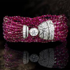 Βραχιόλι από διαμάντια και ρουμπίνια από τη συλλογή The Coromandel Legend του οίκου Chanel
