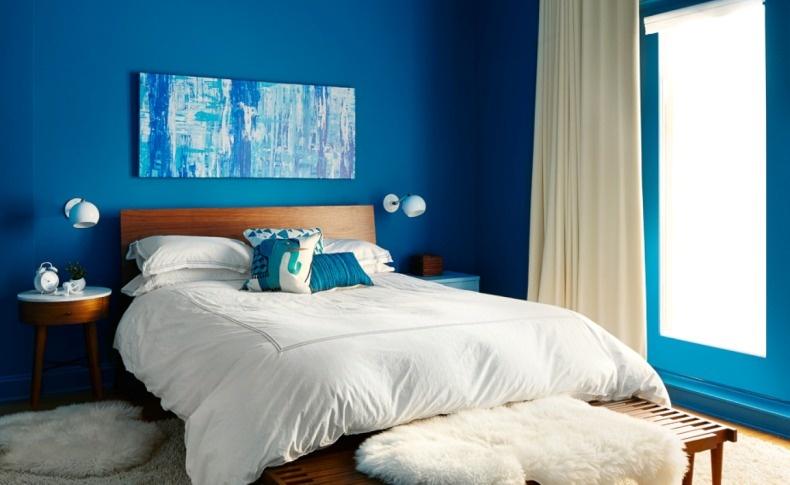Σε αυτό το υπνοδωμάτιο, το χρώμα «κλέβει» την παράσταση!
