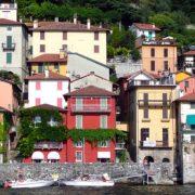 Χρώματα, γαλήνη και φυσικά? βάρκες για βόλτες στη λίμνη