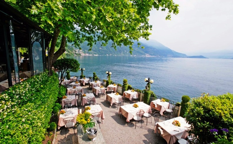 Απολαύστε ένα υπέροχο γεύμα ή δείπνο στα κομψά εστιατόρια της περιοχής