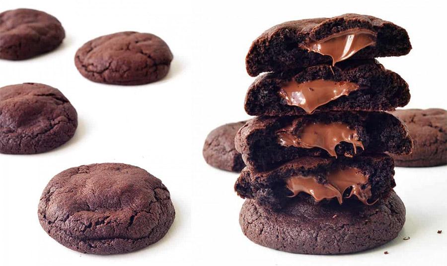 Μπισκότα σοκολάτας γεμιστά με κρέμα σοκολάτας-φουντουκιού