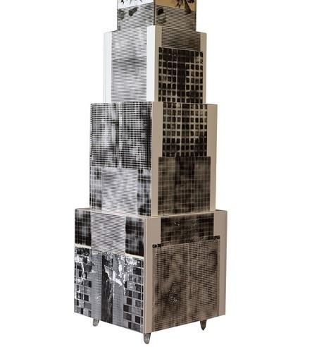 Abendstern, 2014, έπιπλο με όψεις από κτίρια με αναφορά στην αρχιτεκτονική του Βερολίνου από την Εύα Μήταλα που ζει και εργάζεται στο Βερολίνο
