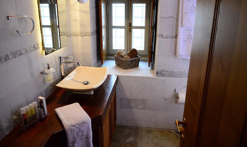 Χαρακτηριστικό μπάνιο του Cotommatae Hydra