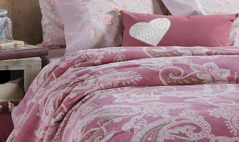 Κουβέρτες με λαχούρια σε παστέλ ροζ και γαλάζιο χρώμα και απαλή υφή αναδεικνύονται σε κυρίαρχο κομμάτι στην κρεβατοκάμαρά σας, Luthor, ΝΕF NEF HOMEWEAR