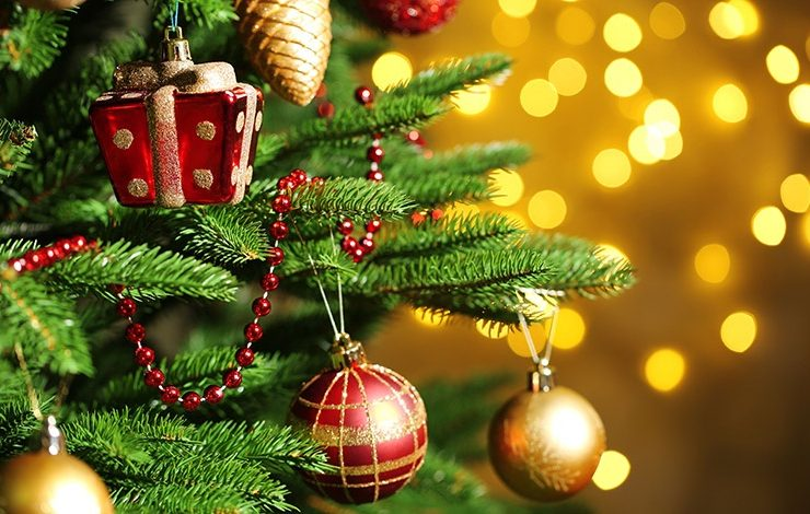 Το στιλ που θα διακοσμήσουμε το δέντρο μας εξαρτάται από το ύφος του σπιτιού μας αλλά και τη διάθεσή μας!