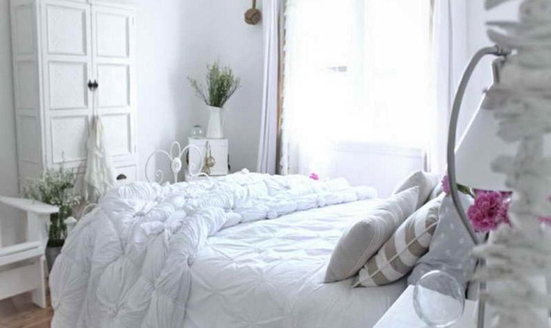 Οι Ιχθείς αγαπούν το ρομάντζο και τη γαλήνη. Η κρεβατοκάμαρα είναι ο χώρος που μπορούν να ονειρεύονται? και αποτελεί το πιο σημαντικό δωμάτιο του σπιτιού τους