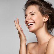 Η δύναμη του χαμόγελου: Τι το κάνει τόσο γοητευτικό;