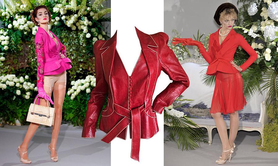 Ο John Galliano παίρνοντας τα ηνία του οίκου Dior το 1996, έδωσε στο σακάκι Bar πολλές εκδοχές, από μία ηρωίδα του φιλμ νουάρ μέχρι θεατρική υπόσταση το 2011 όπως το ροζ και μία κατακόκκινη εκτέλεση το 2009