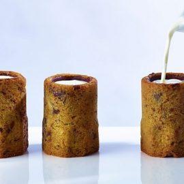 Η τελευταία του δημιουργία: «σφηνακια» με γάλα Chocolate Chip Cookie Milk Shots