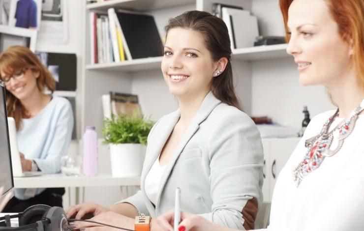 Πώς να μην είστε αόρατες στη δουλειά σας