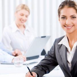 6 τρόποι για να γίνουμε πιο συμπαθείς στον χώρο εργασίας
