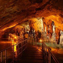 Επίσκεψη στο Σπήλαιο των Πηγών του Αγγίτη