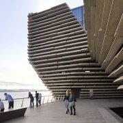 Στις όχθες του ποταμού Tay, το V&A Dundee, συνενώνει το φυσικό περιβάλλον με την αρχιτεκτονική