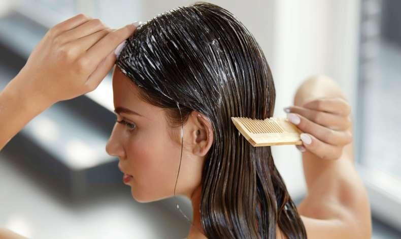 Εφαρμόζοντας τέλεια τη μάσκα στα μαλλιά μας!