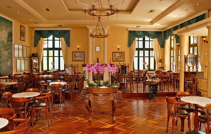 Από το πρώτο ελληνικό καφενείο... στον φραπέ!