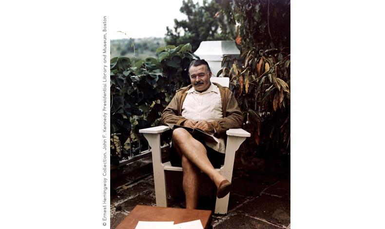 Ο Έρνεστ Χέμινγουεϊ στο σπίτι του στην Κούβα