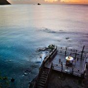 Απλά μαγικό? το περιβάλλον, το τοπίο, το φαγητό δημιουργούν το απόλυτο σκηνικό στο εστιατόριο Rock Maison στην Καραϊβική