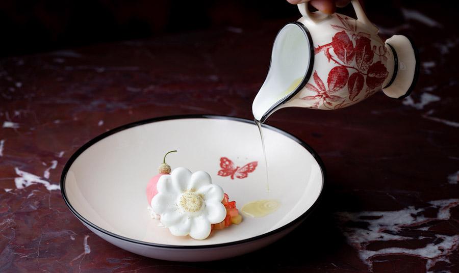 Στο εστιατόριο του οίκου Gucci ο κόσμος του πολιτισμού, του φαγητού και της μόδας βρίσκουν τον απόλυτο συνδυασμό!
