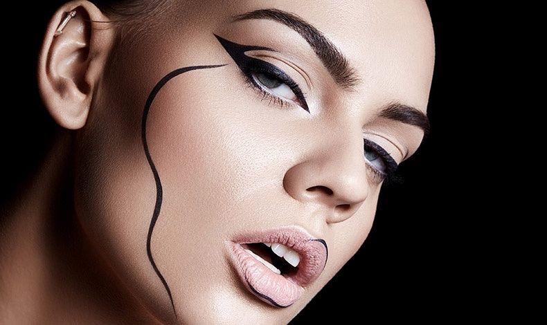 Eye liner: Τραβήξτε τη μαύρη γραμμή!