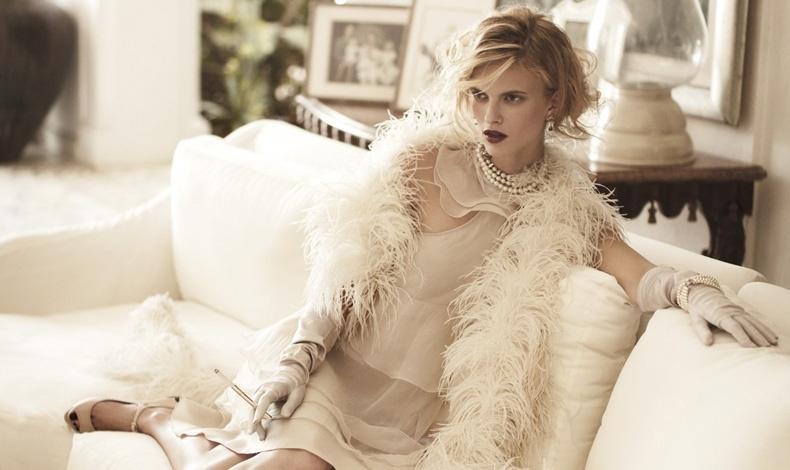 Αγαπάτε τη μόδα; Αποδείξτε το και στο σπίτι σας! Το στιλ δεν είναι μόνο τα ρούχα μας, αλλά και ο χώρος που μας περιβάλλει (φωτό: Η Sophie-Holmes φωτογραφημένη από τον Pasquale Abbattista για το γερμανικό Elle)