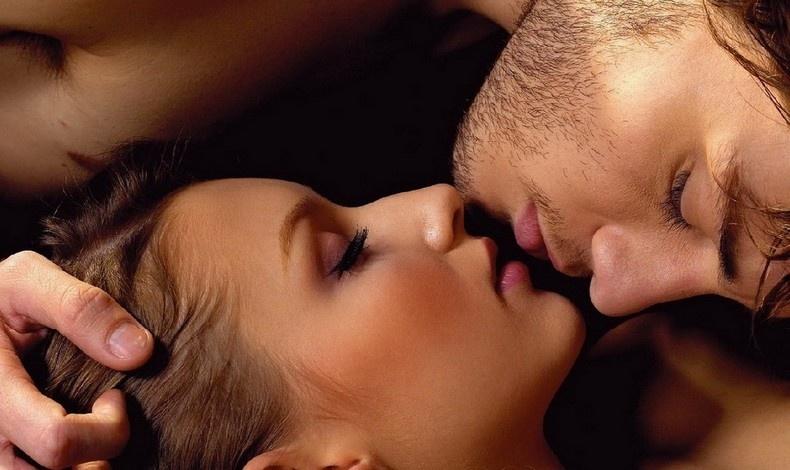Γιατί κλείνουμε τα μάτια όταν φιλιόμαστε;