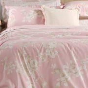 Παστέλ αποχρώσεις για ένα υπέροχο ρομαντικό κρεβάτι! Η συλλογή La Rosa περιλαμβάνει 2 σεντόνια υπέρδιπλα (240x270) και 2 μαξιλαροθήκες 52x72, 75,00?, σετ παπλωματοθήκη υπέρδιπλη και 2 μαξιλαροθήκες, 75,00?, από 100% βαμβaκoσατέν - 210 κλωστές