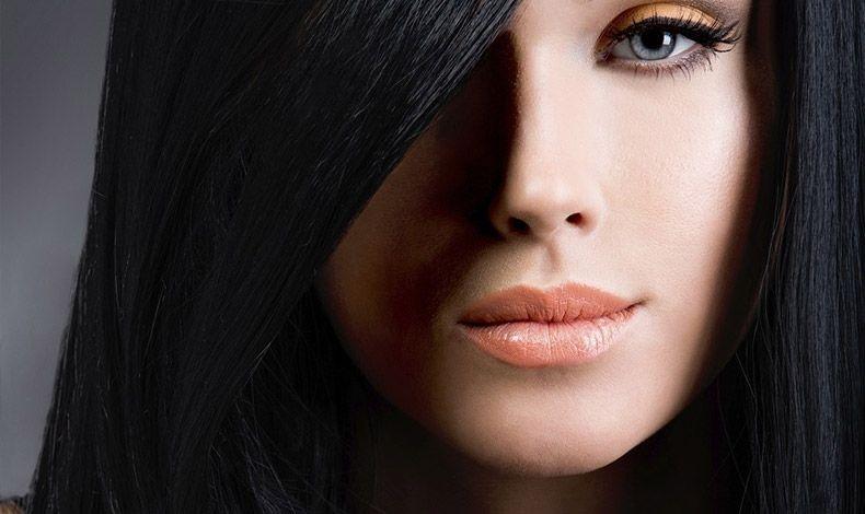 Τα σκούρα καστανά και μαύρα μαλλιά χρειάζονται προσοχή στον αποχρωματισμό!