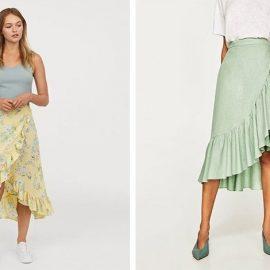 Μία λουλουδάτη φούστα με τα αθλητικά σας κι ένα αμάνικο μπλουζάκι για ανέμελη καλοκαιρινή εμφάνιση // Φορέστε την σε παστέλ χρώματα με ανάλογα αξεσουάρ για θηλυκή εμφάνιση παντού!