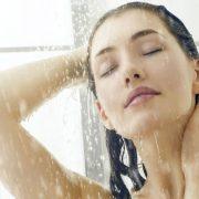 Πώς να διατηρηθείτε καθαρές και φρέσκιες τις καυτές ημέρες του Αυγούστου