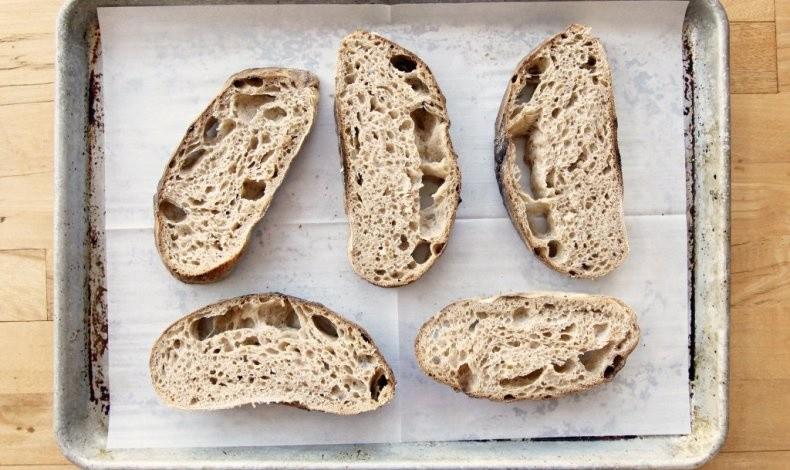 Πώς θα διατηρήσετε φρέσκο το ψωμί