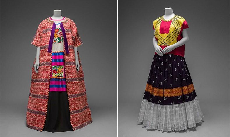 Βαμβακερό παλτό από τη Γουατεμάλα και κεντημένη μακριά μπλούζα με μάξι φούστα, Museo Frida Kahlo // Μπλούζα και φούστα με κεντήματα και βολάν (© Diego Rivera and Frida Kahlo Archives, Banco de México, Fiduciary of the Trust of the Diego Rivera and Frida Kahlo Museums)