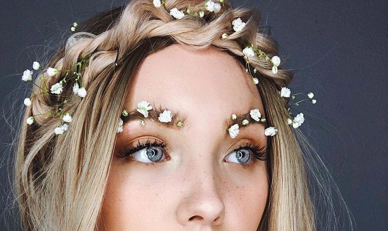Λευκά baby breath λουλούδια στα φρύδια και στα μαλλιά!